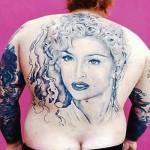 """Так смешно, что даже страшно: самые глупые """"модные"""" татуировки"""