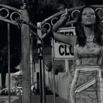 Куда движется мода? Голая Ким Кардашьян рекламирует Prada
