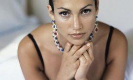 Дженнифер Лопес в 1998 году и в 2015-м: найдите разницу