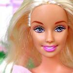 Как изменились внешность и образ куклы Барби с момента создания до нашего времени