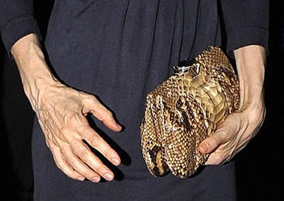 Руки Анджелины Джоли скоро станут такие же жуткие, как у Сары-Джессики Паркер