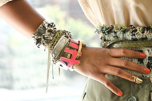Необычные аксессуары - ноготь-кольцо, или стальной ноготь