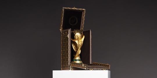 Кейс для Кубка мира FIFA разработал ведущий дом моды