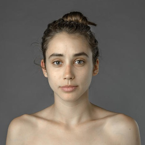 Как меняются стандарты красоты в разных странах на примере одного лица