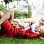Fashion-съемка с ребенком: Наташа Поли и ее маленькая дочь в Vogue Paris