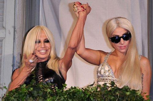 Леди Гага — новое лицо Версаче, или связи решают все?