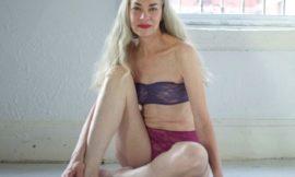 62-летняя женщина рекламирует нижнее белье, или American Apparel опять пиарится на скандале