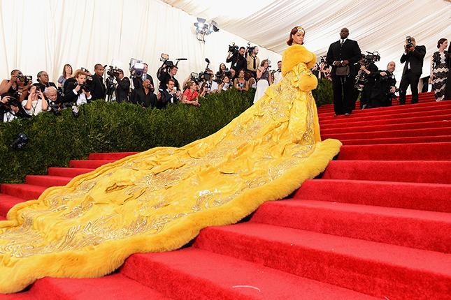 Все самые интересные и впечатляющие платья бала института красоты Met Gala 2015