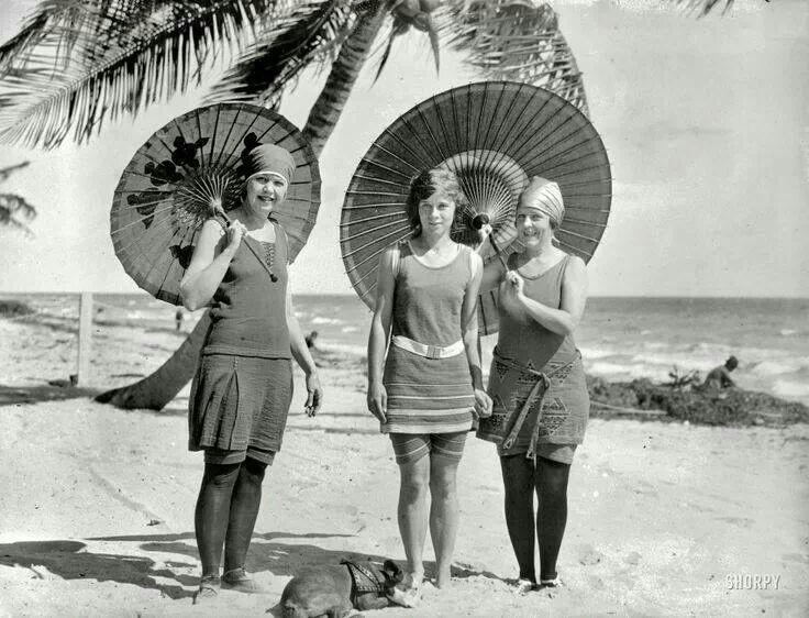 Какие купальники носили почти 100 лет назад