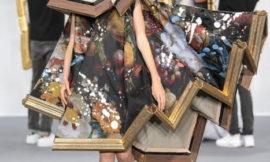 Дизайнеры придумали платья-картины, которые можно носить и вешать на стену