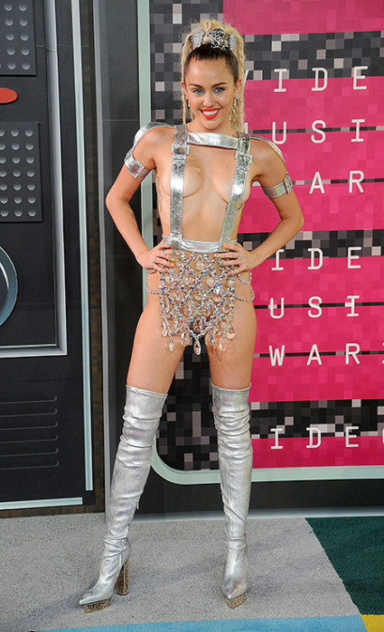 Победители и самые яркие образы MTV Video Music Awards 2015