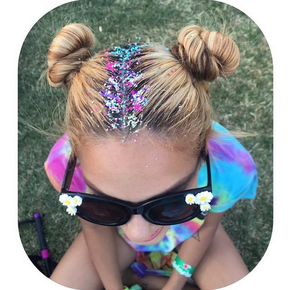 Новая мода: глиттер в волосах