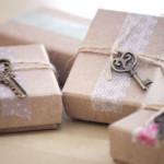 Как красиво упаковать подарок к Новому году и догадаться, понравился ли он