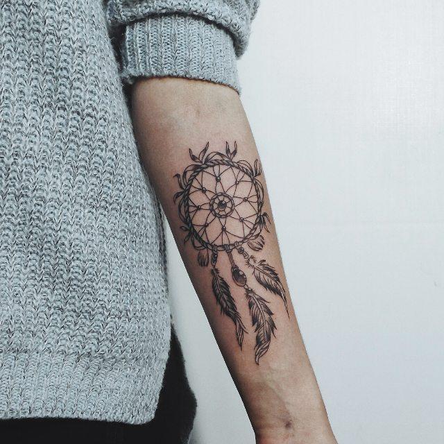 Эти татуировки были в моде в 2016-м