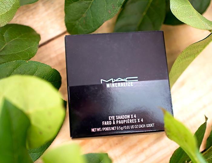 Тени MAC A Medley of Mauves Mineralize Eyeshadow Quad. Отзыв