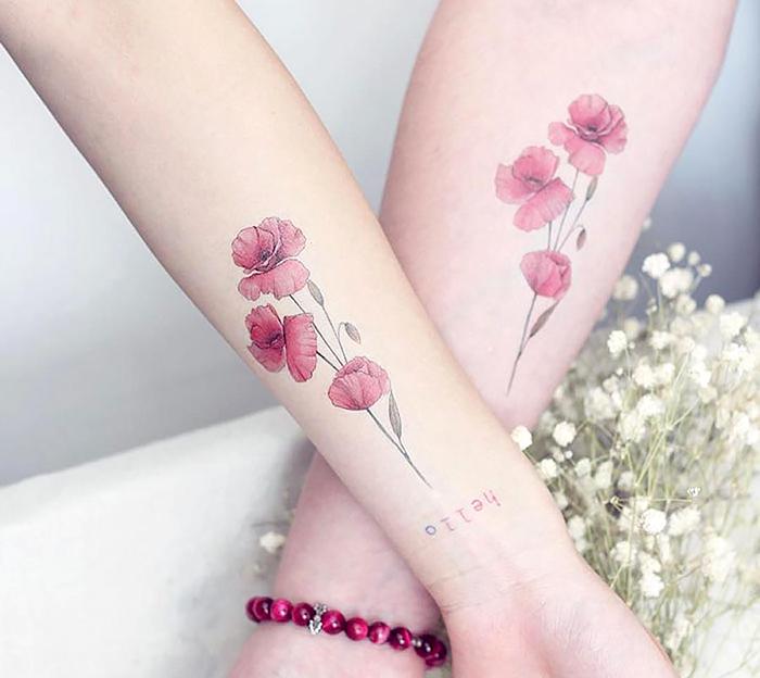Розовые татуировки: несколько эскизов и идей