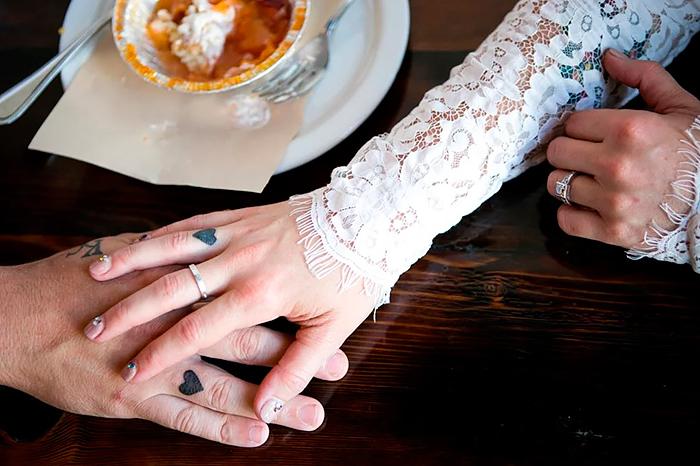 Свадебные татуировки: чем заменить обручальное кольцо