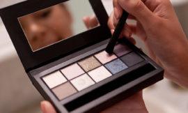 Как правильно тестировать косметику в магазинах: советует дерматолог