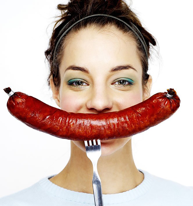 Питаемся правильно - что вреднее: сосиски или колбаса?