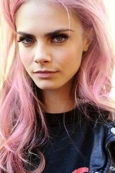 Розовый кварц – этот оттенок волос будет в моде весной