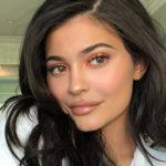 10-минутный урок макияжа от Кайли Дженнер для Vogue