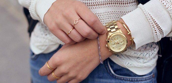 На какой руке лучше носить часы: совет специалиста