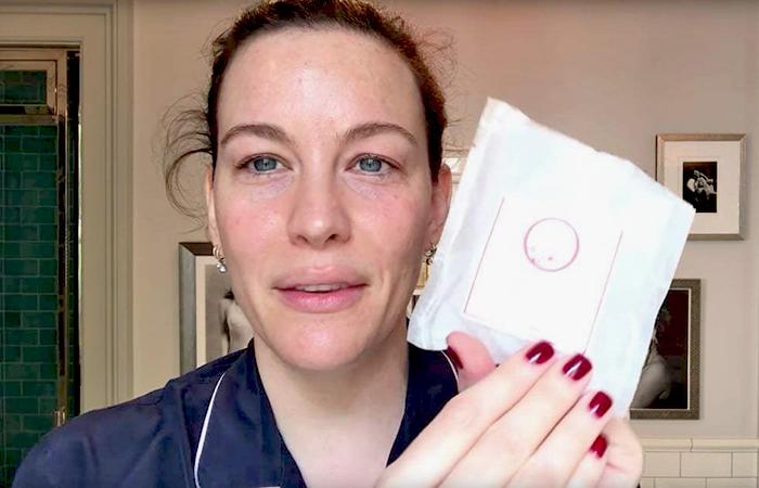 Ежедневная бьюти-рутина Лив Тайлер – 25 шагов от ухода к макияжу