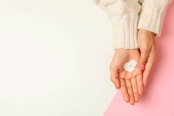 Три случая, когда крем для рук может не помочь